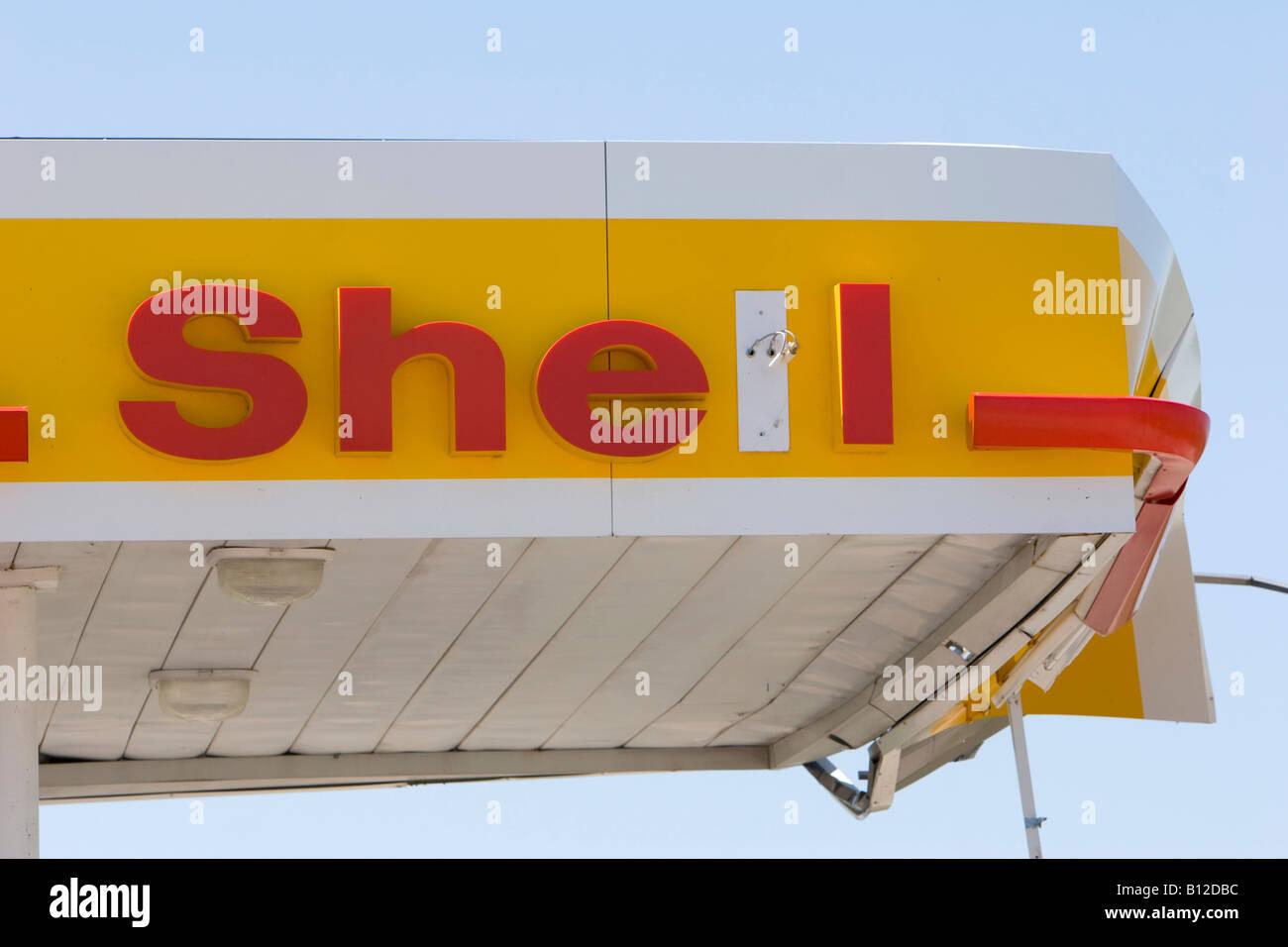 A Shell gas station awning damaged in a tornado.  Aurora, Nebraska, May 29, 2008. - Stock Image
