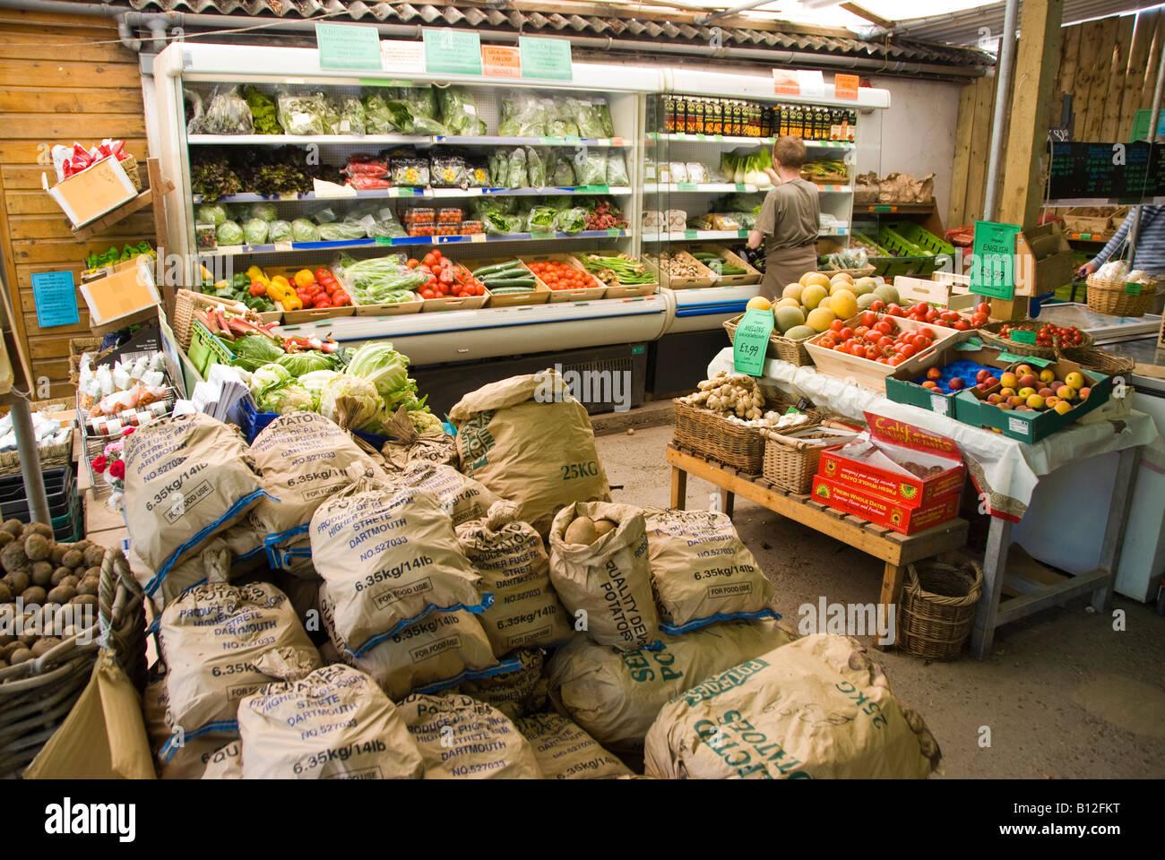 Riverford organic farm shop in Devon - Stock Image