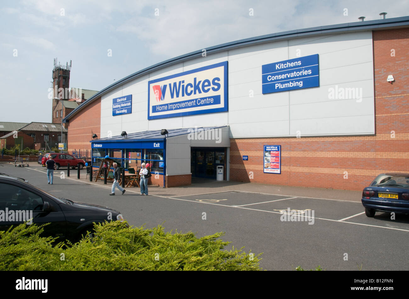 Wickes Diy Store Stock Photos Amp Wickes Diy Store Stock