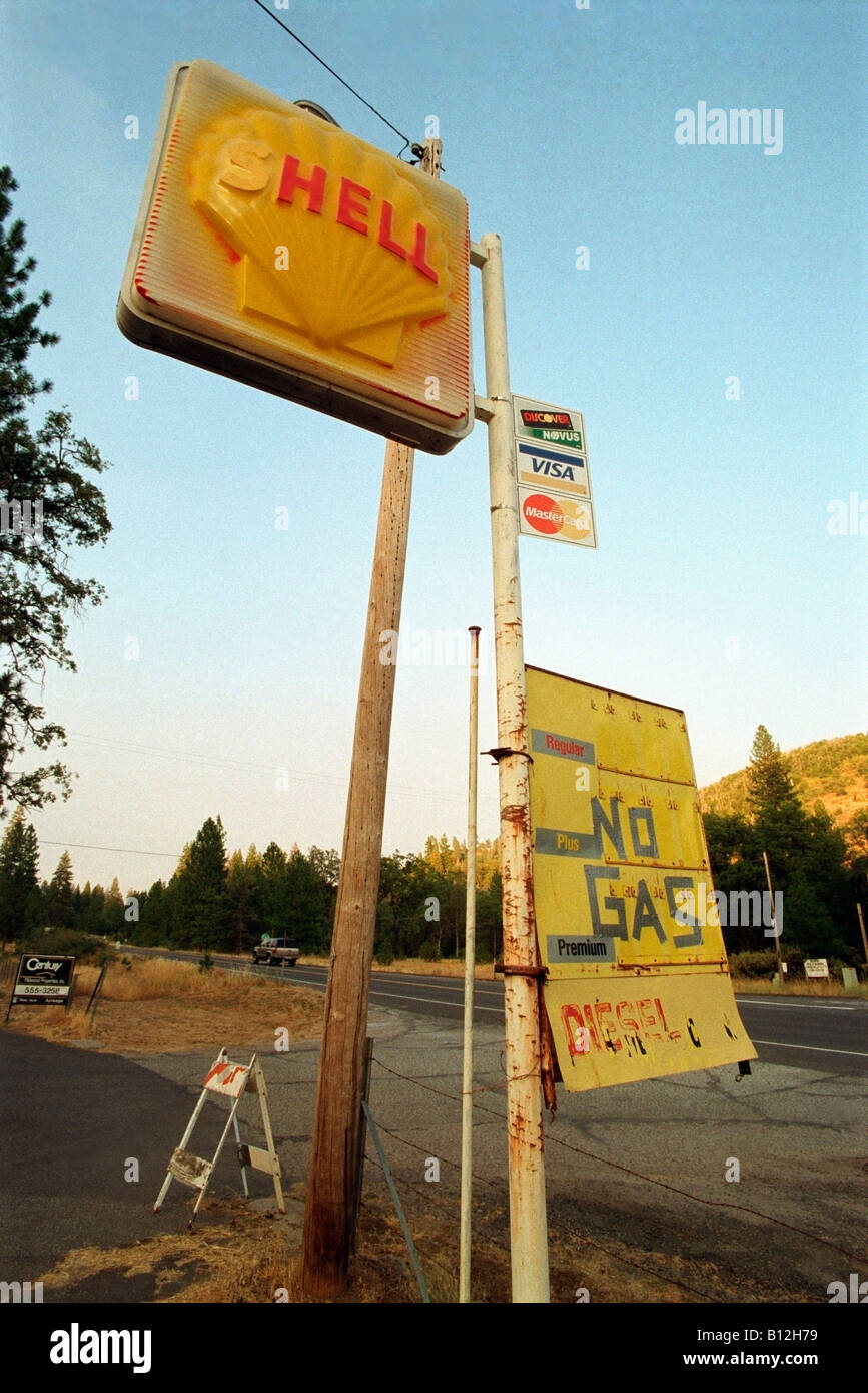 Vandalized Road Sign Of An Abandoned Shell Gasoline Station Along A Stock Photo Alamy