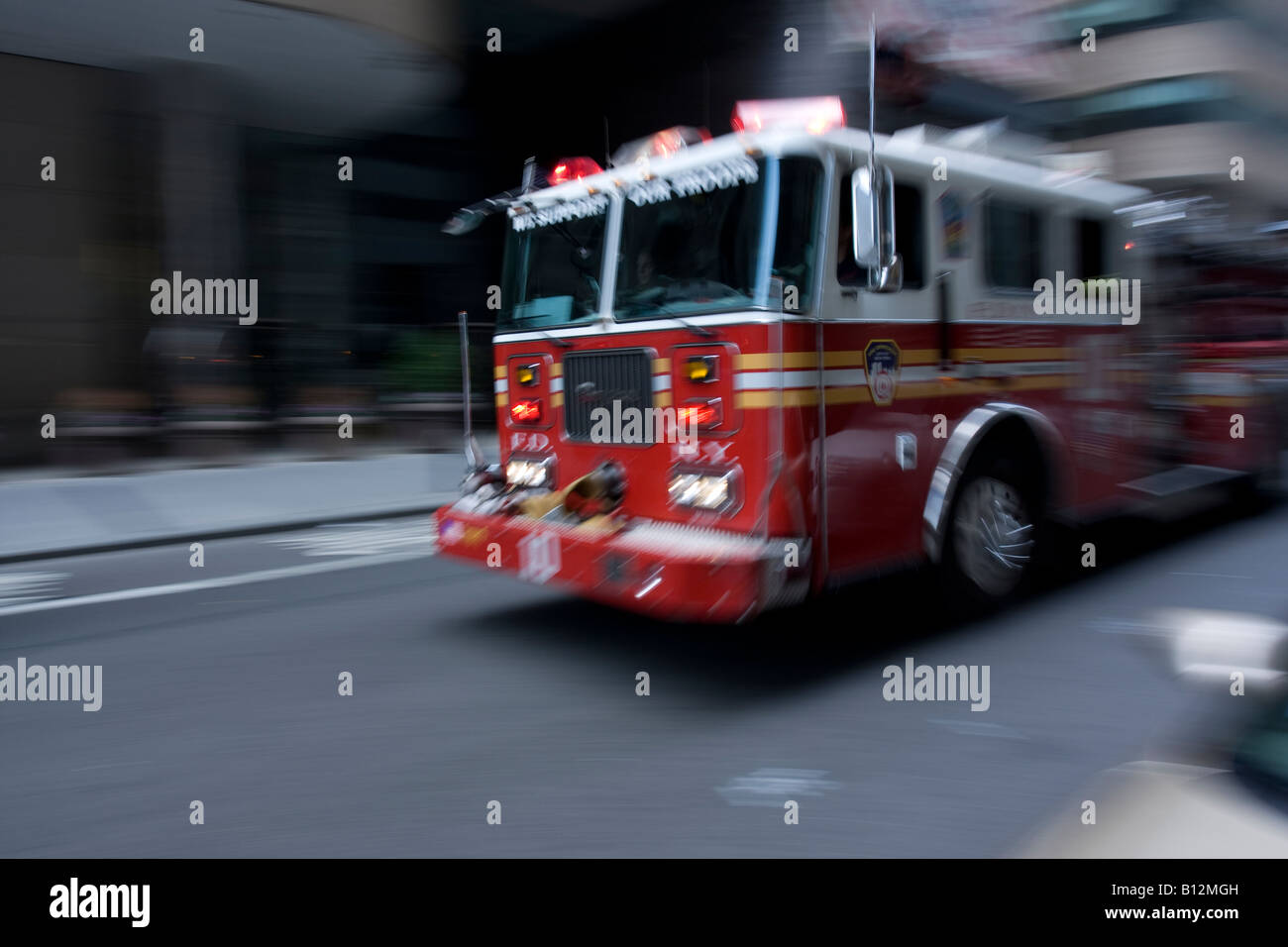 Nyc Fire Truck Stock Photos & Nyc Fire Truck Stock Images - Alamy