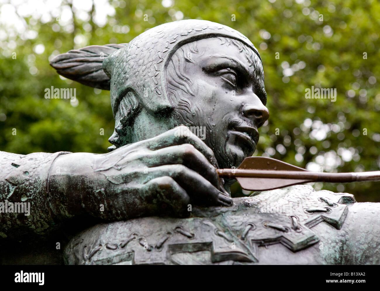Bronze Statue Of Robin Hood Nottingham UK Europe - Stock Image
