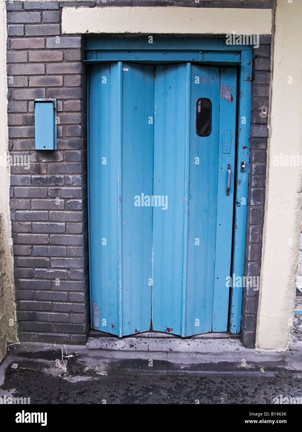 Old folding lift door - Stock Image & Concertina Door Stock Photos u0026 Concertina Door Stock Images - Alamy