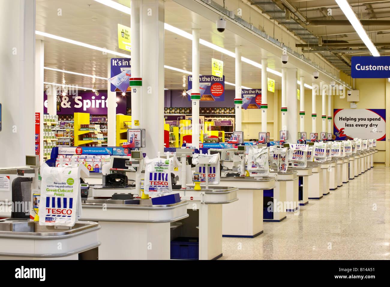 Supermarket Checkout Counters Stock Photo 17920813 Alamy