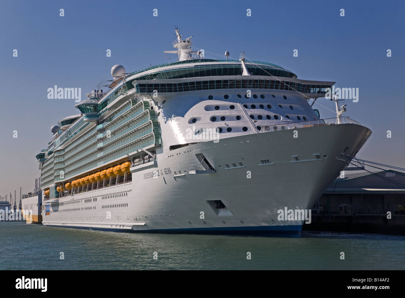 Royal Carribean Independence of the Seas in Southampton Docks, Hampshire, England - Stock Image