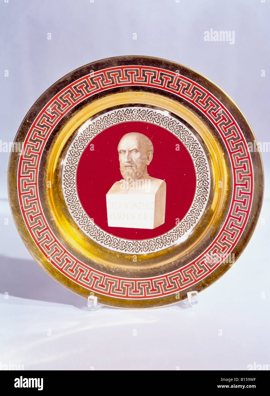 fine arts, porcelain, plate, series with gold plating, onyx series, bust of Xenocrates, painted by Le Feubure, Nymphenburg Stock Photo