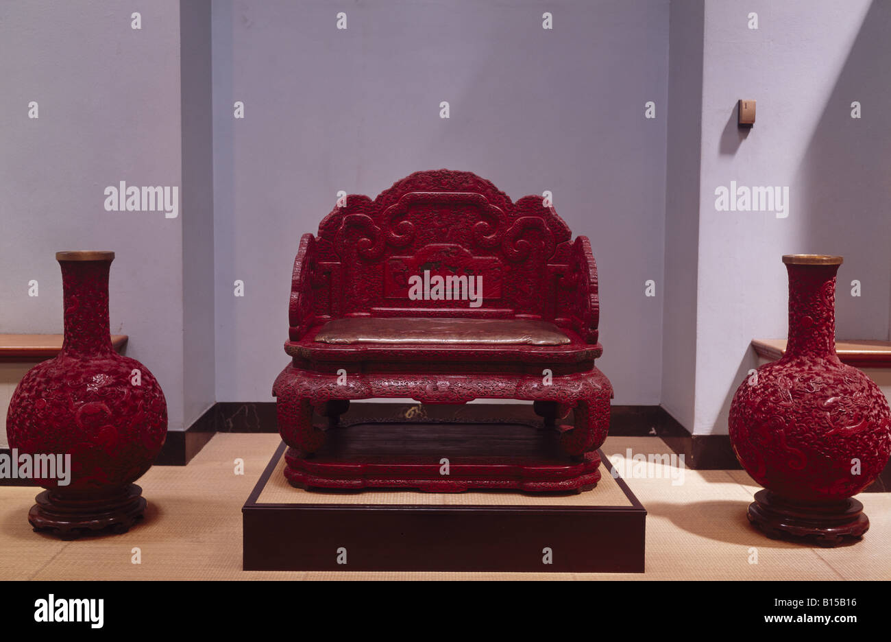 fine arts, China, handcraft, throne of Emperor Qianlong (reigned 1736 - 1796), laquer carving, Hunting Palace Beijing, - Stock Image