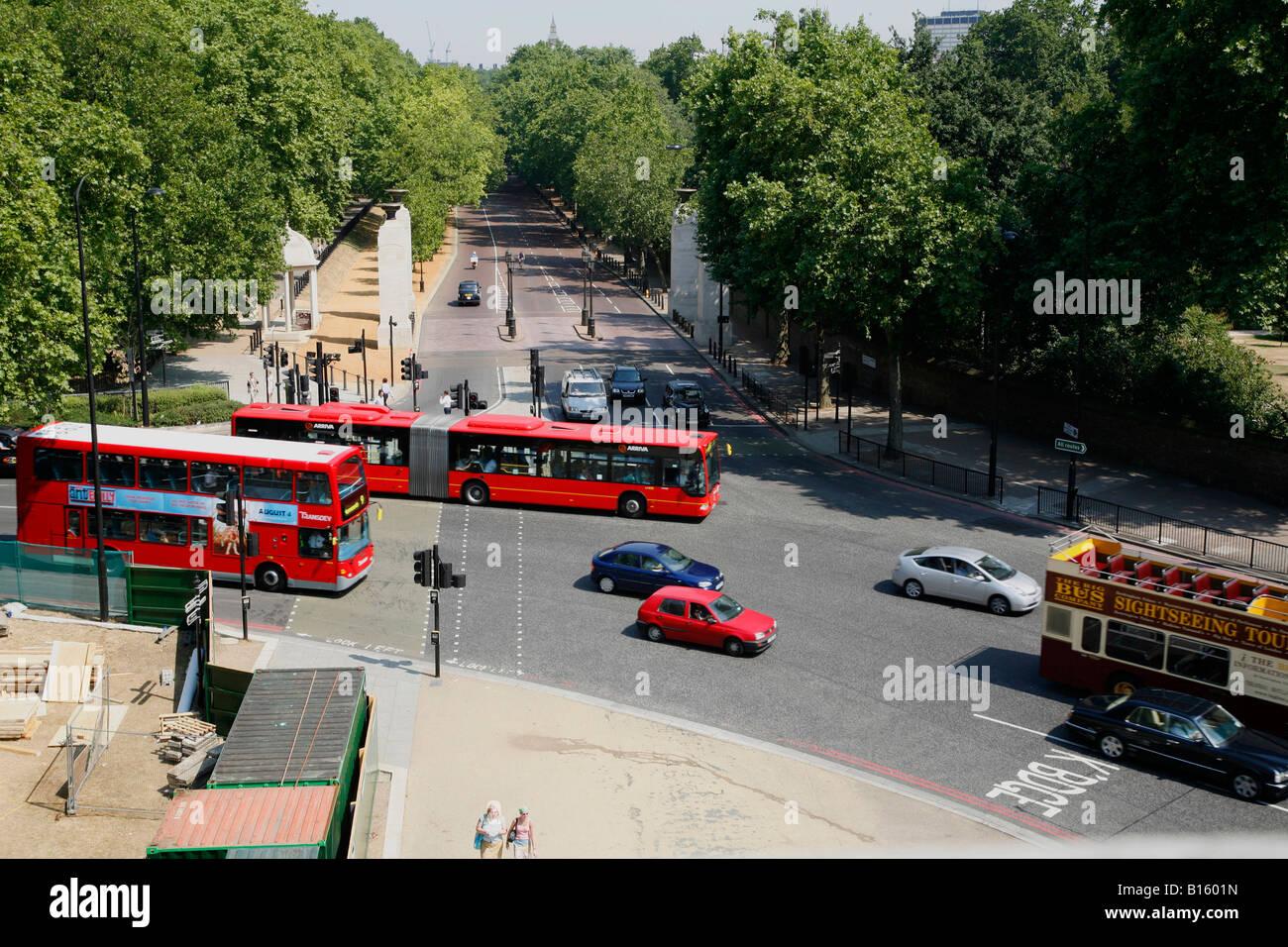 Traffic on Hyde Park Corner, London - Stock Image
