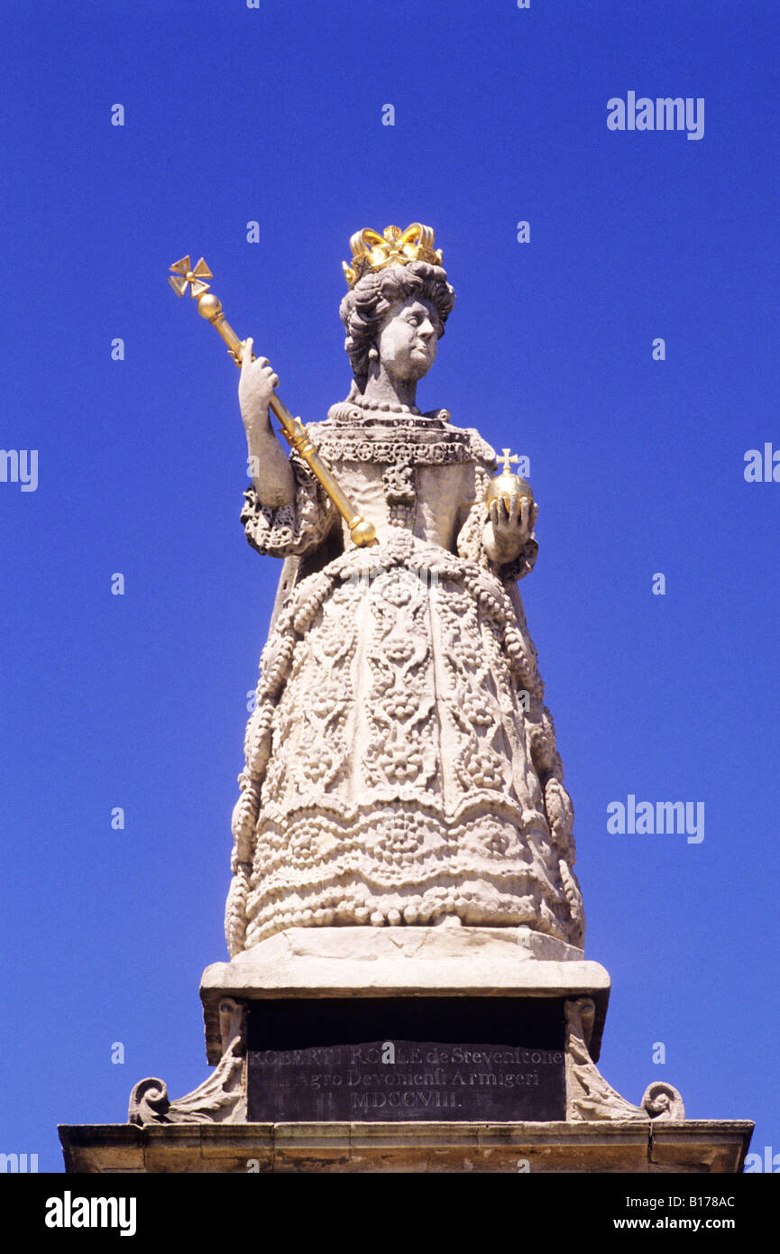 Queen Anne Statue Barnstaple Merchants Exchange Devon England UK English monarch 1709 stone carving - Stock Image