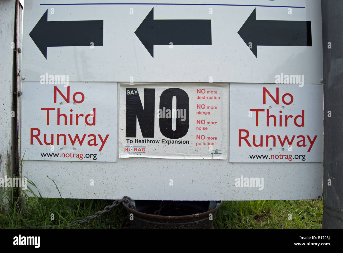 protest sign against a proposed third runway for london's heathrow airport - Stock Image
