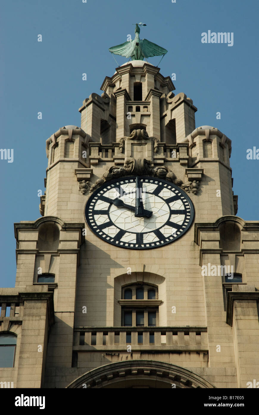 Liver bird on top of the Liverbuilding at 10 - Stock Image