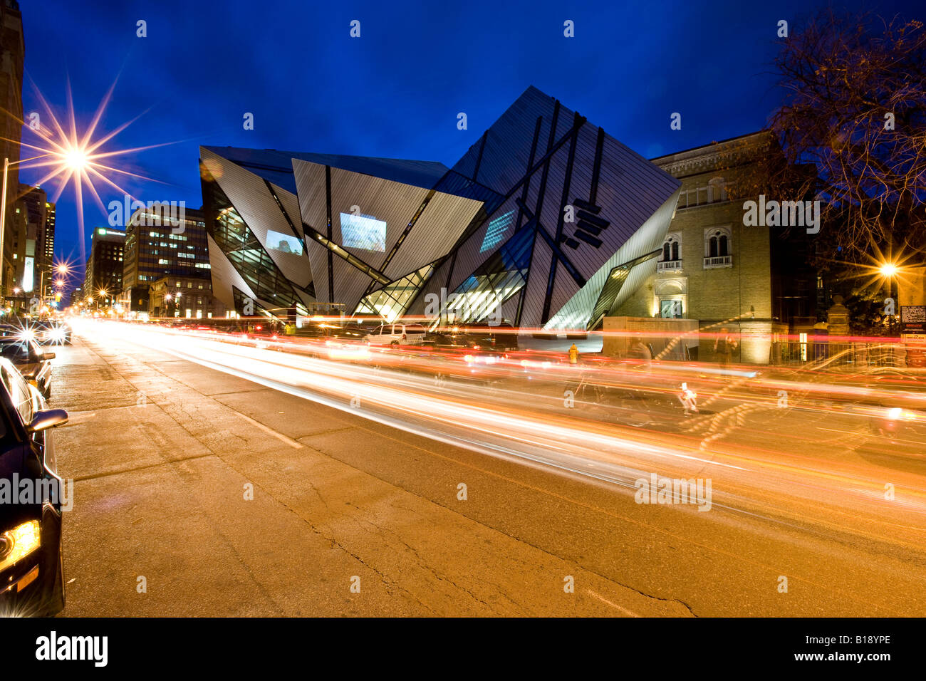 new 'Crystal' addition to ROM (Royal Ontario Museum), Toronto, Ontario, Canada. - Stock Image