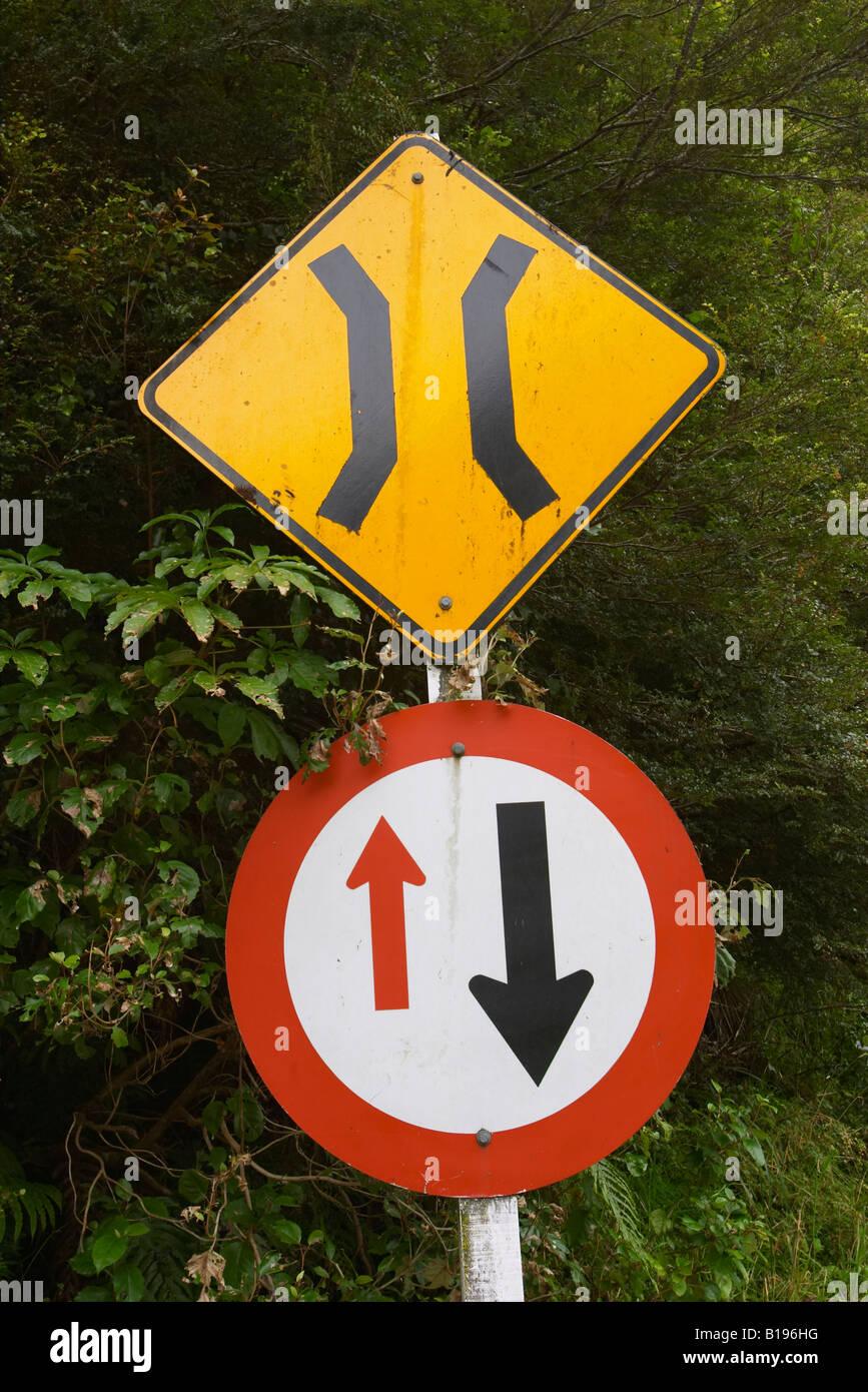 REAL ONE LANE BRIDGE STREET TRAFFIC SIGN