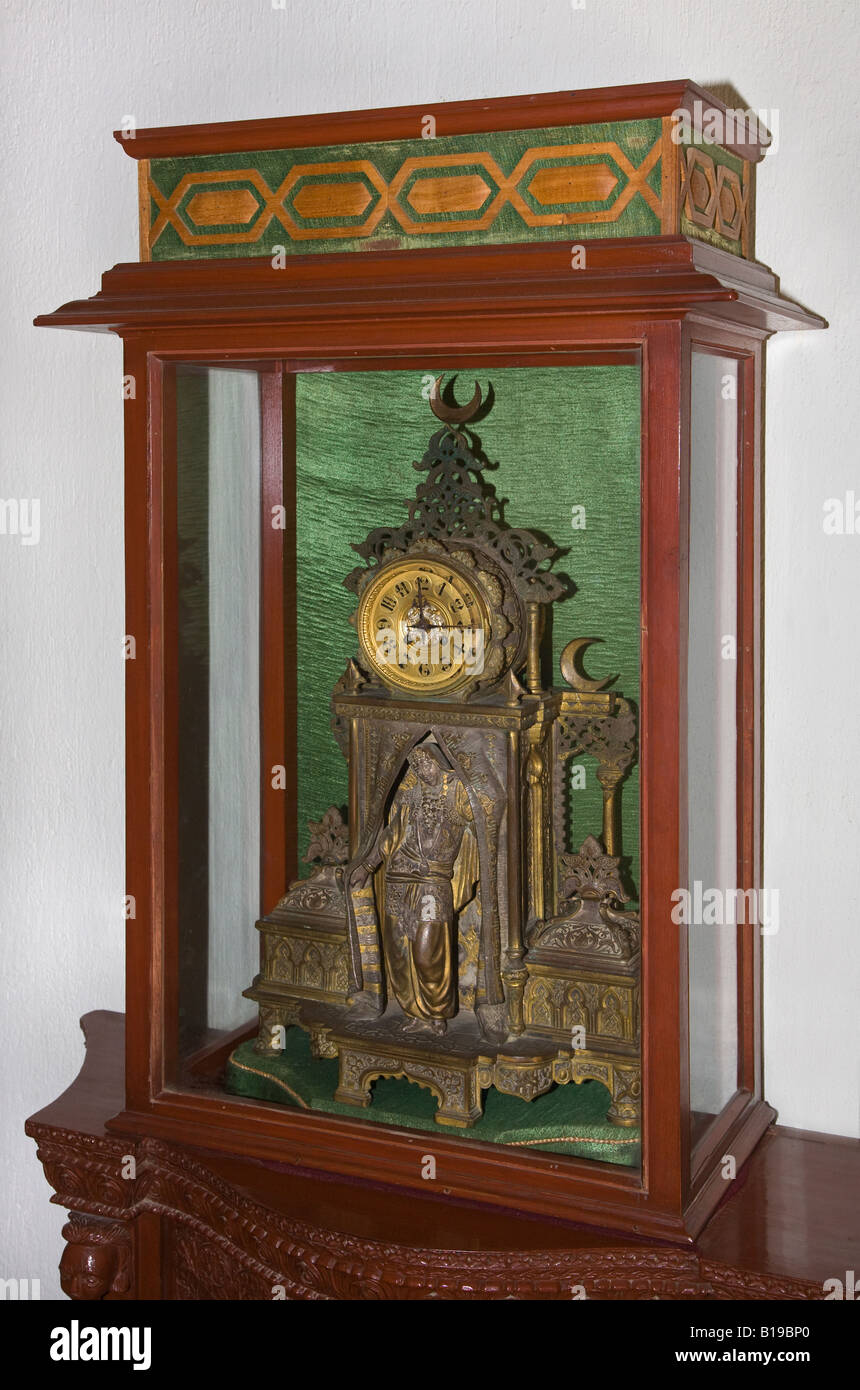 An ANTIQUE CLOCK in the UMAID BHAWAN PALACE museum which was built in 1929 JODHPUR RAJASTHAN INDIA - Stock Image