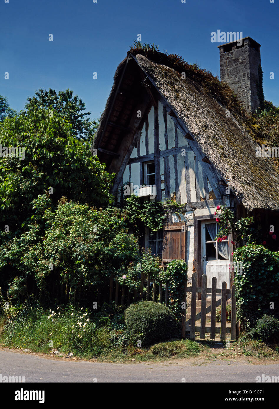 France, Normandy, Barneville la Bertran. A 'Norman' Cottage - typical 'Norman' architecture found - Stock Image