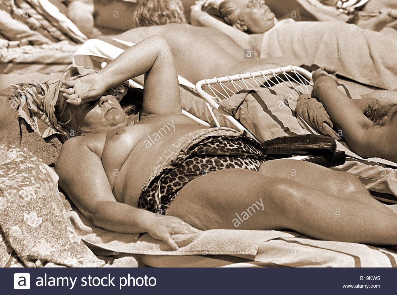 hot light skinned black chicks nude