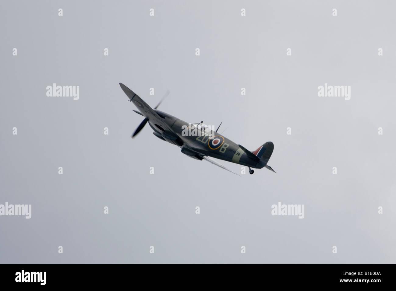 Spitfire Mk IX MH434 performs at the Biggin Hill Air Fair, Kent, England.  7th June 2008 - Stock Image