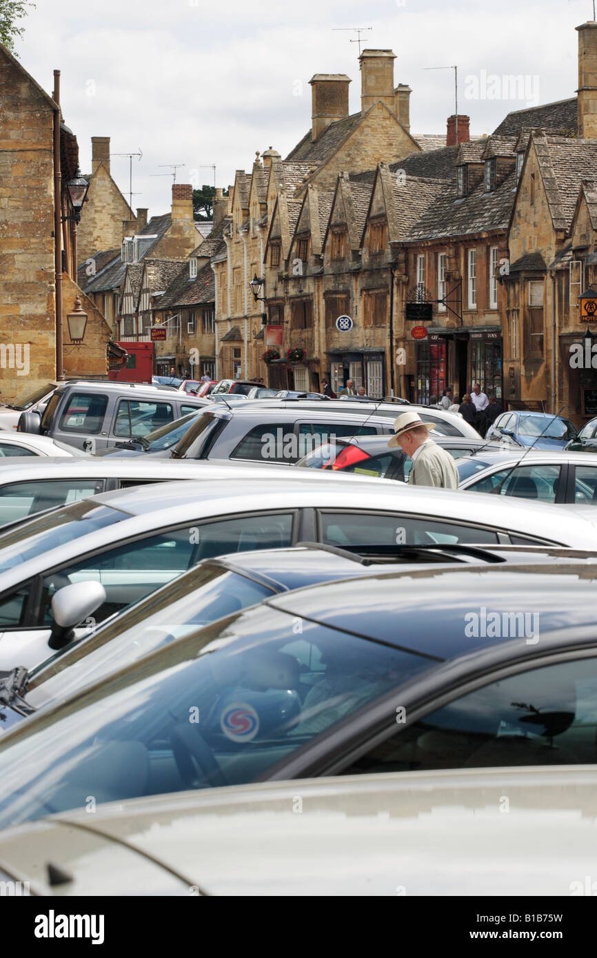 Parked cars in the centre of the Cotswold village of Chipping Campden in Gloucestershire, UK - Stock Image