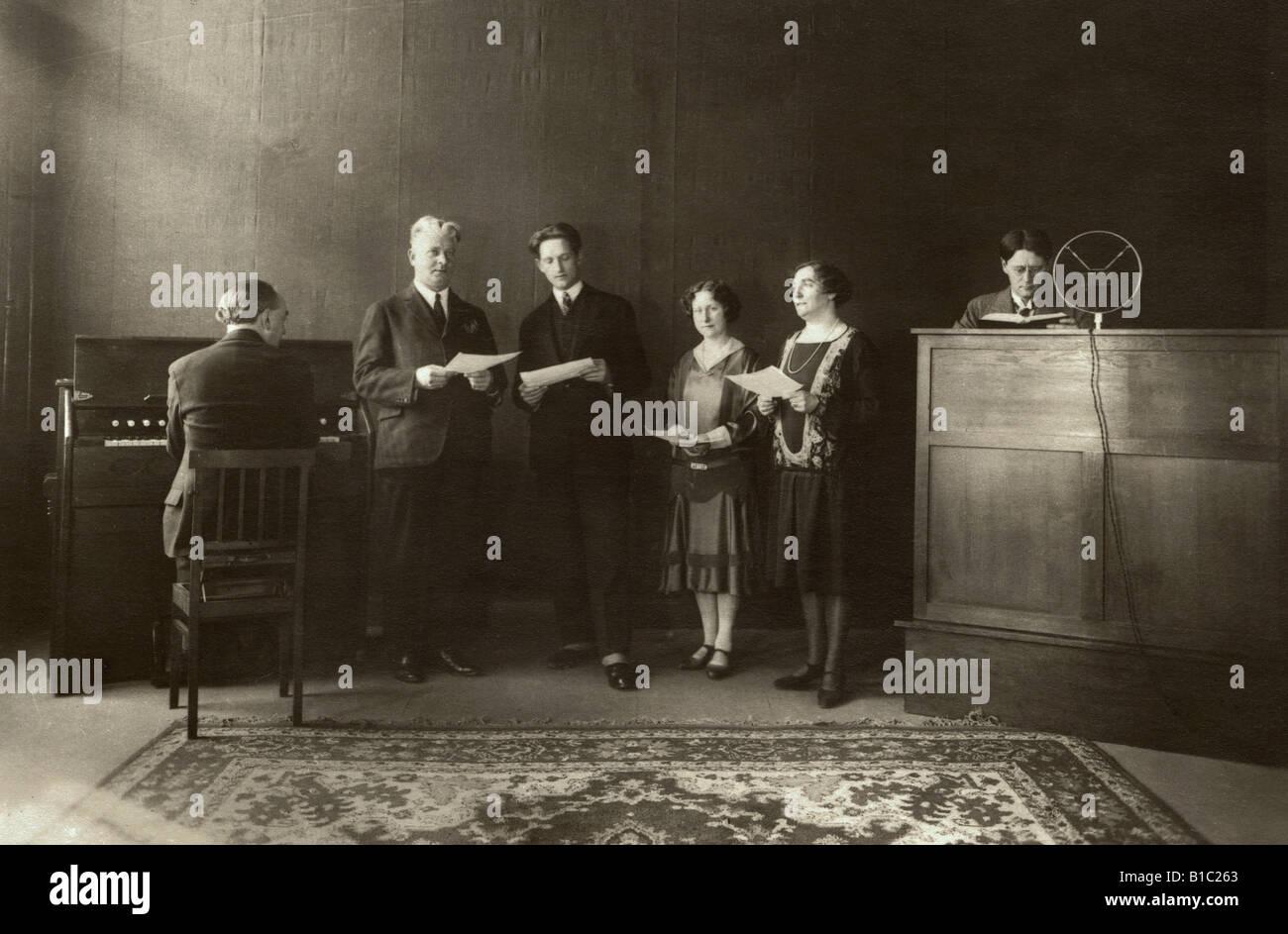 broadcast, radio, recording, morning prayer at radio station AVRO, choir, Netherlands, circa 1928, Additional-Rights - Stock Image