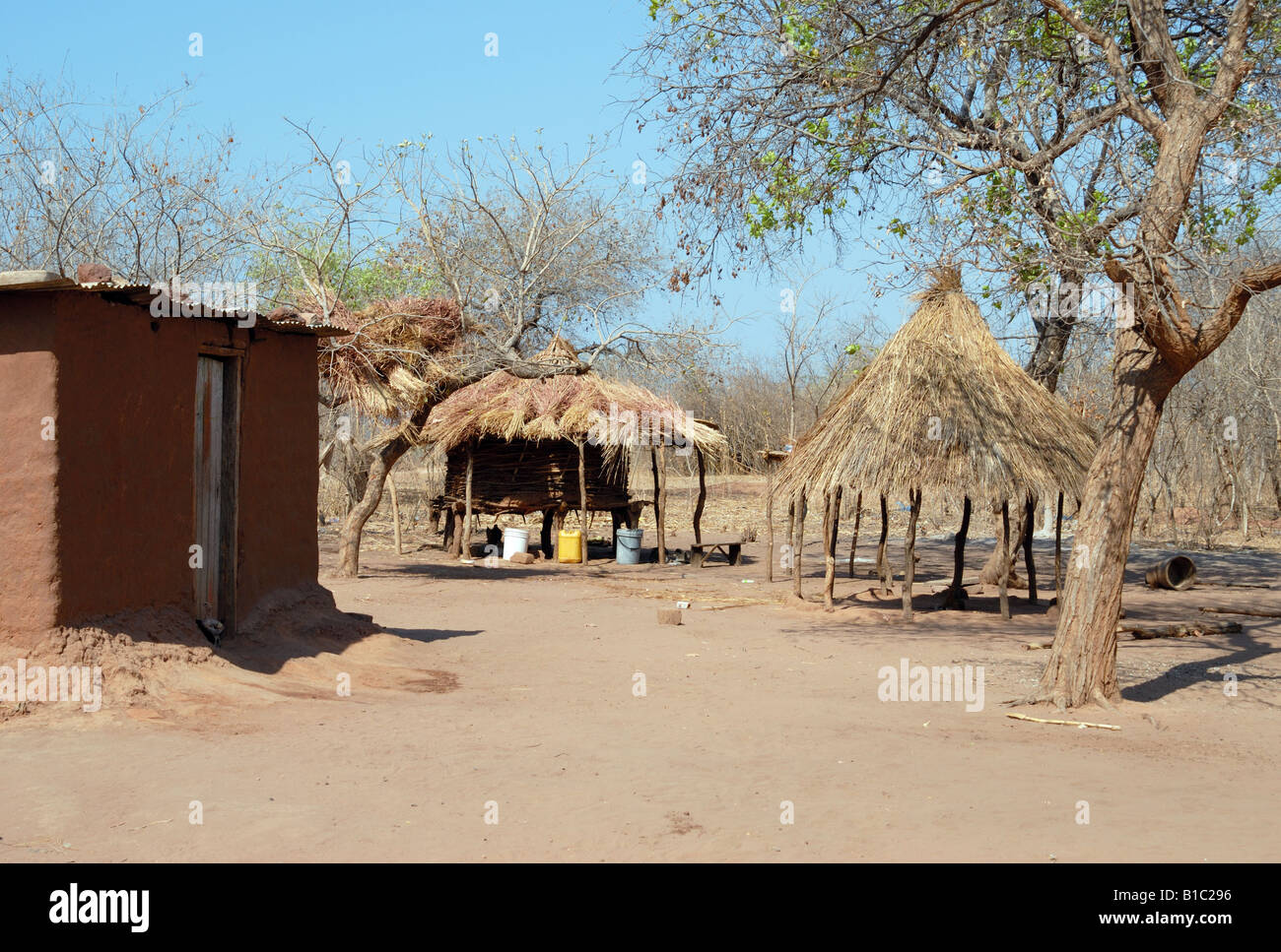 geography / travel, Zambia, Siavonga, adobe house, huts in Tonga Village near Kariba reservoir, Additional-Rights - Stock Image