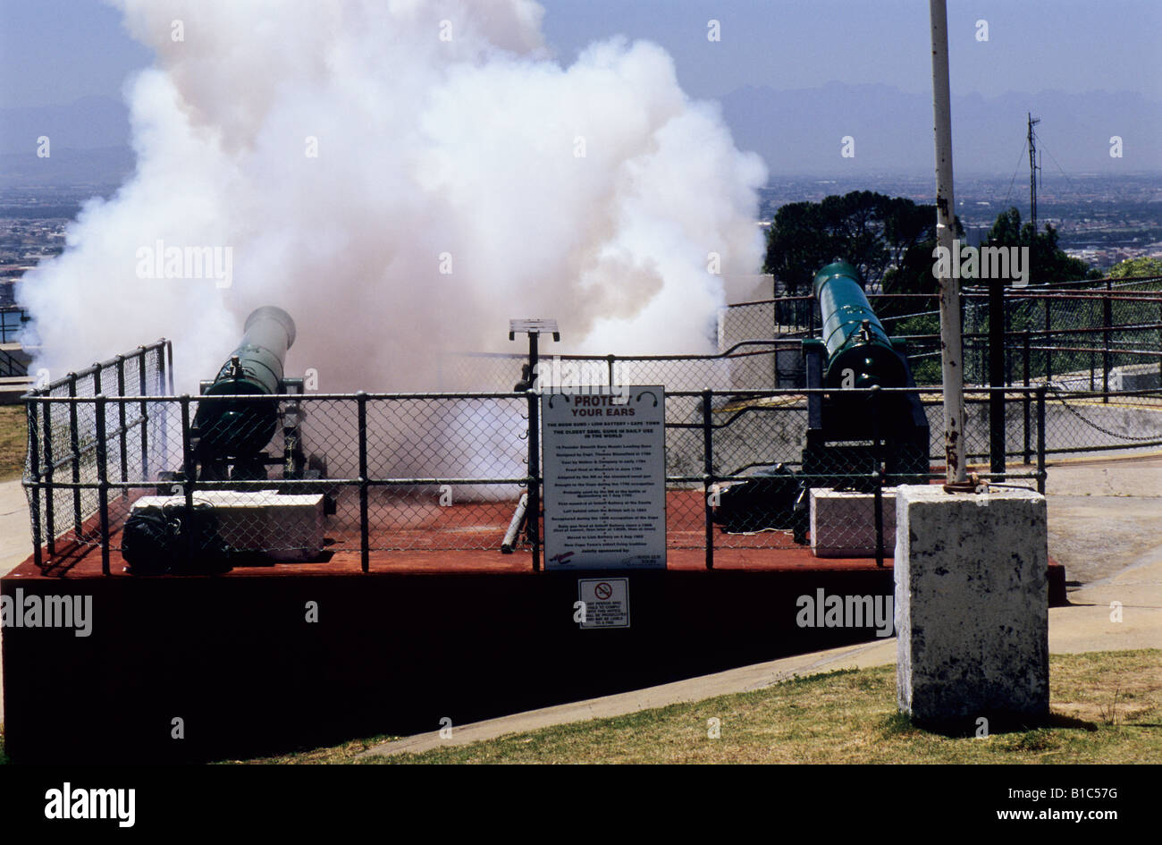 Cape Town, South Africa, smoke cloud, daily event, firing Noon Gun on Signal Hill, artillery, tradition, city Stock Photo