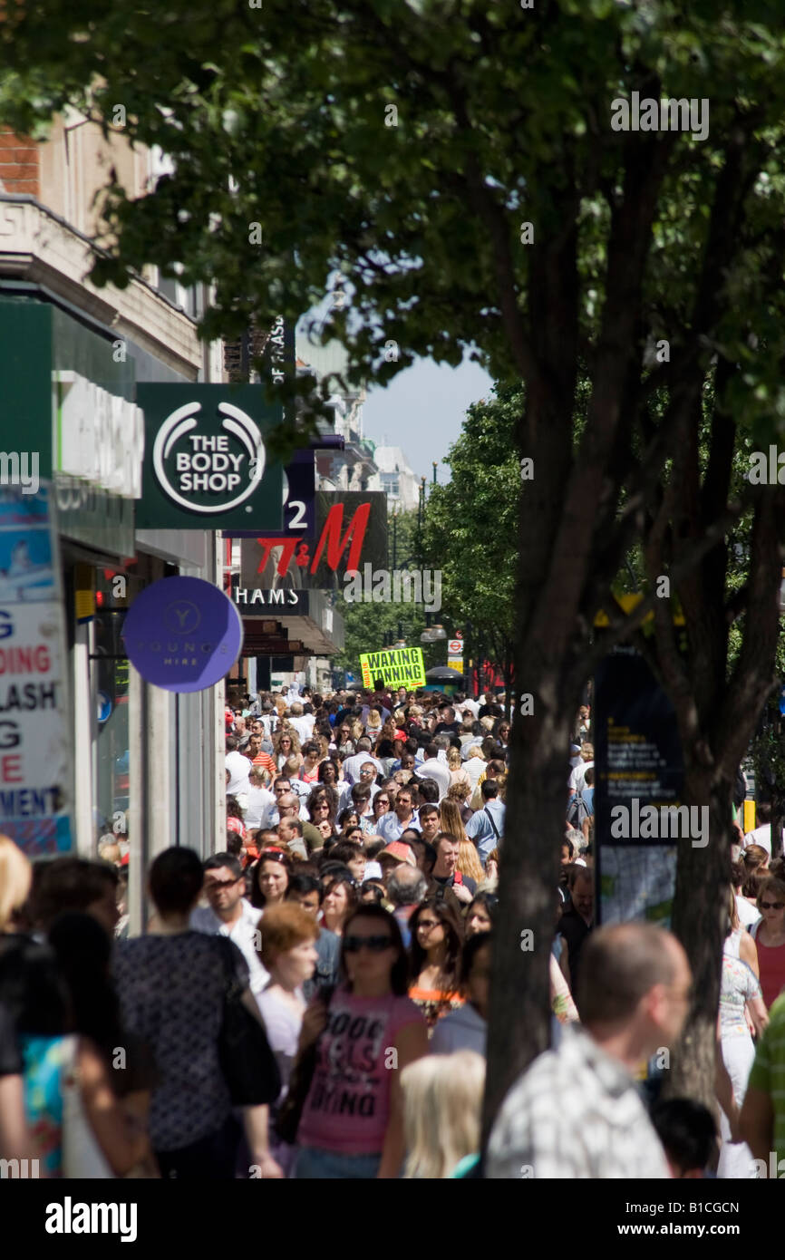 Crowds of shoppers on Oxford Street. London, England - Stock Image