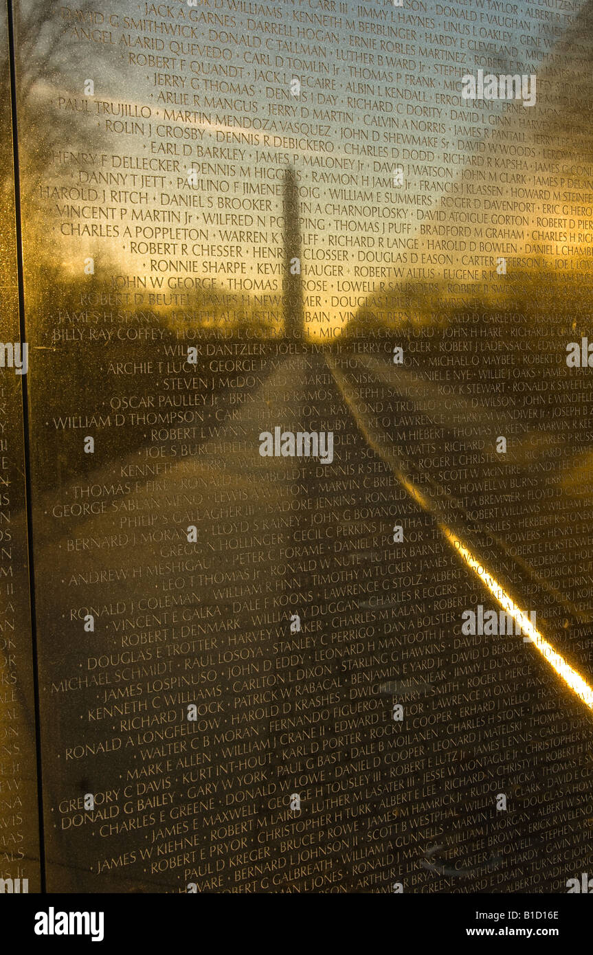 Reflection of the Washington Monument on the Viet Nam Memorial at dawn - Stock Image
