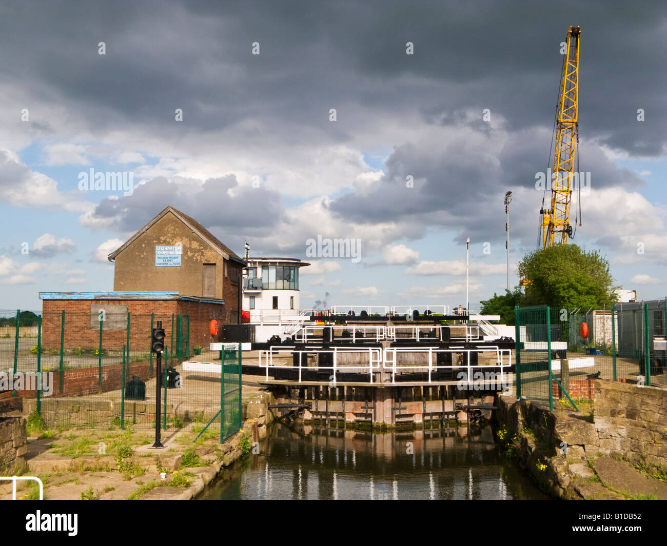 Multiple canal lock gates on the Stainforth and Keadby Canal at Keadby Lock, Keadby near Scunthorpe, North Lincolnshire, - Stock Image