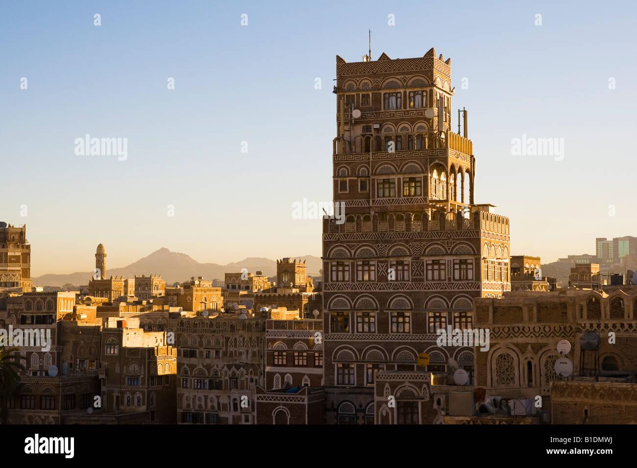 Old city Sunna Yemen at dusk - Stock Image