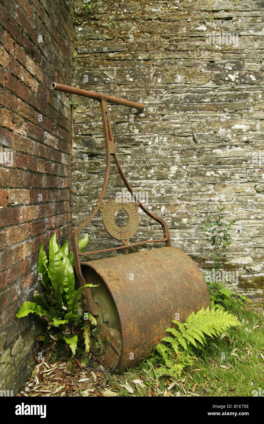 Lawn Roller Stock Photos & Lawn Roller Stock Images - Alamy