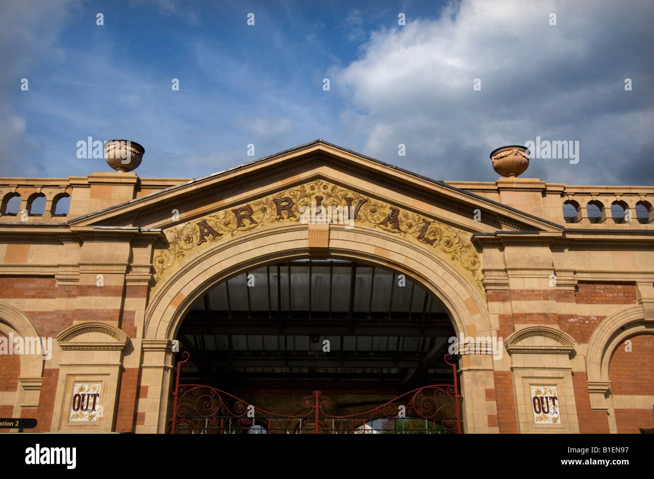 Arrival gate of the Victorian Leicester London Road Midland Railway Station - Stock Image
