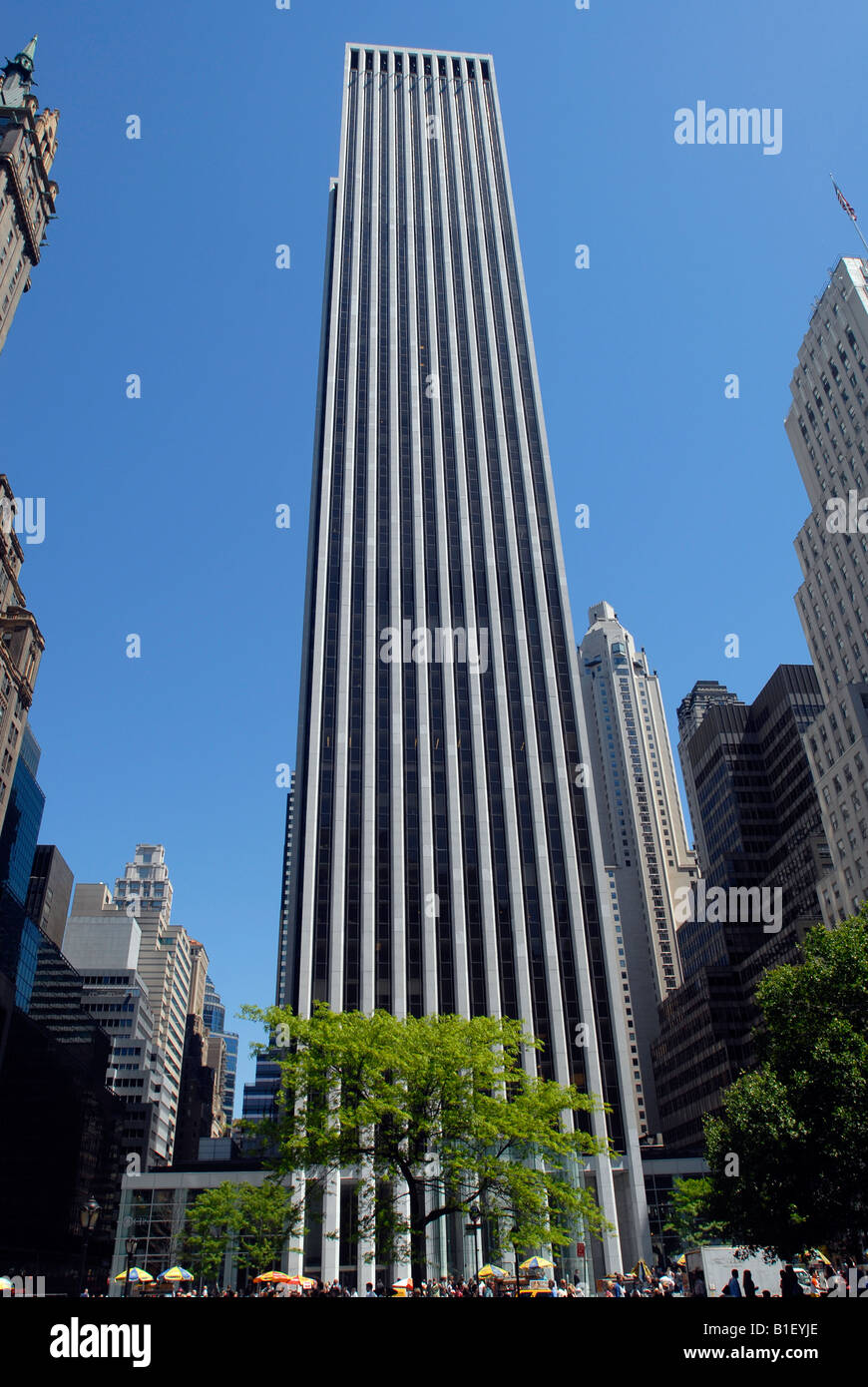 The General Motors Building on Fifth Avenue in New York Stock Photo