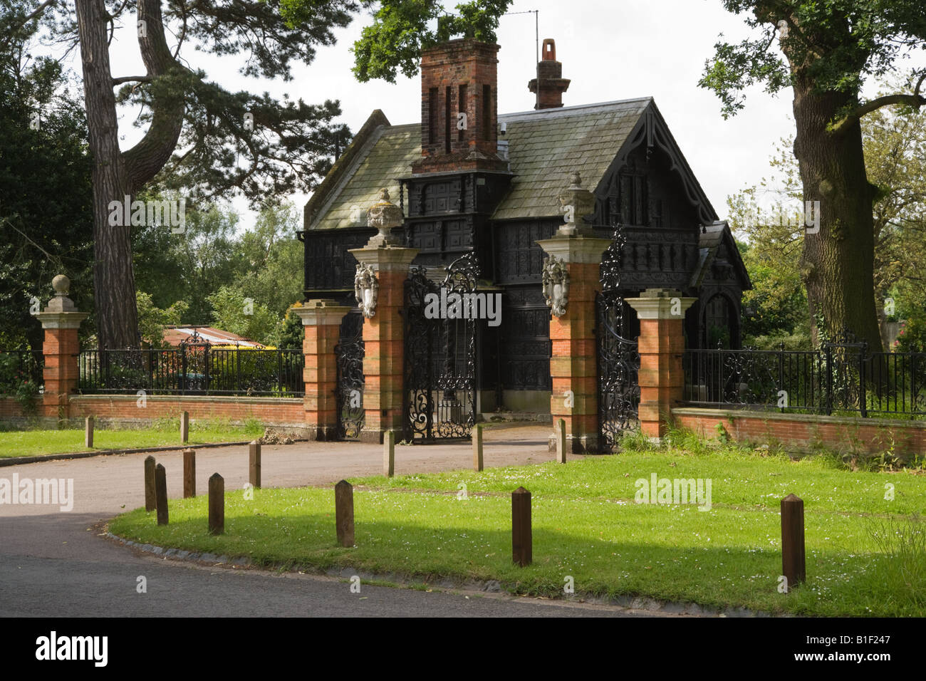 Oak Lodge Is The Entrance To The Hall Barn Estate In Beaconsfield Stock Photo Alamy