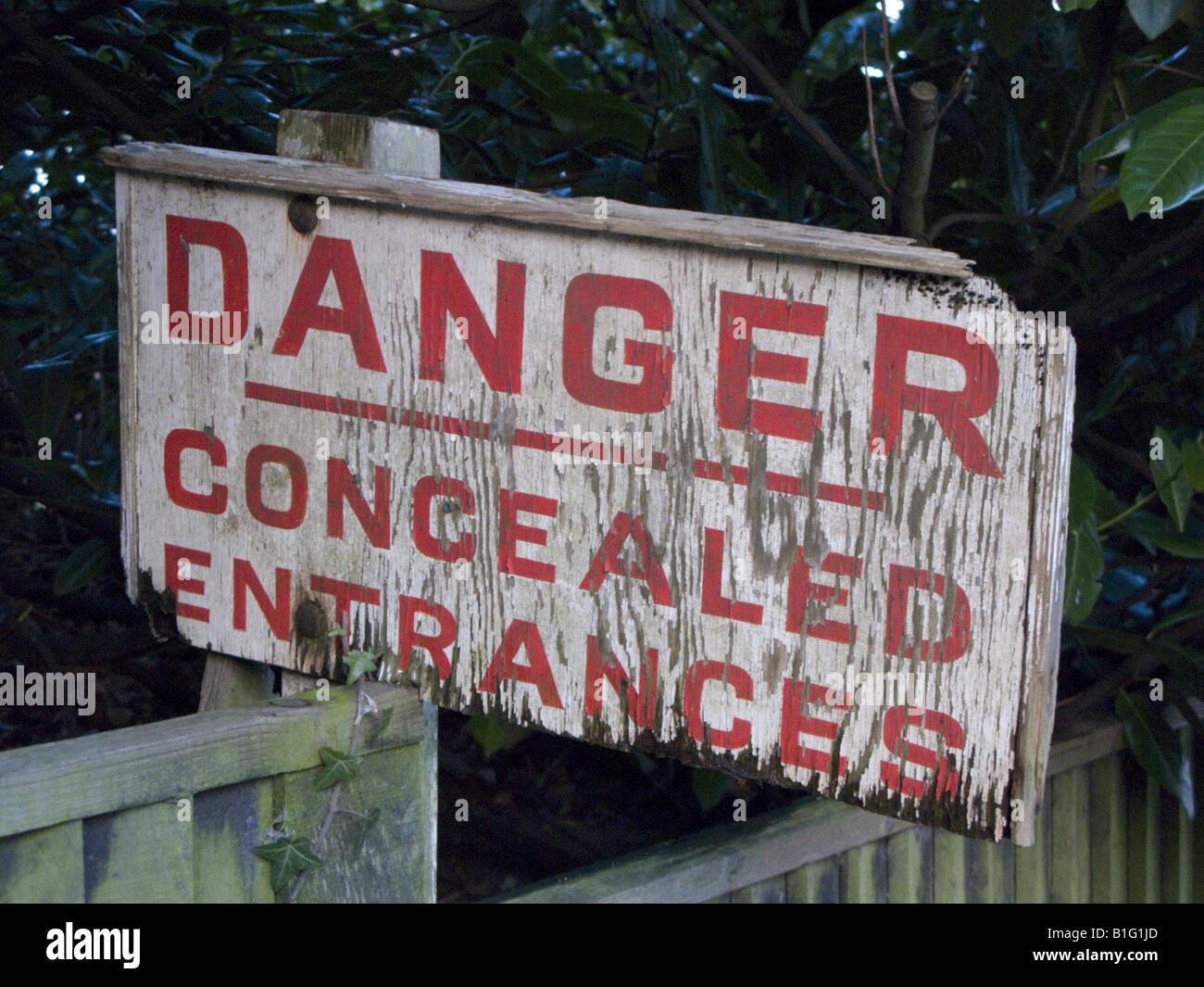 Concealed Entrances sign - Stock Image