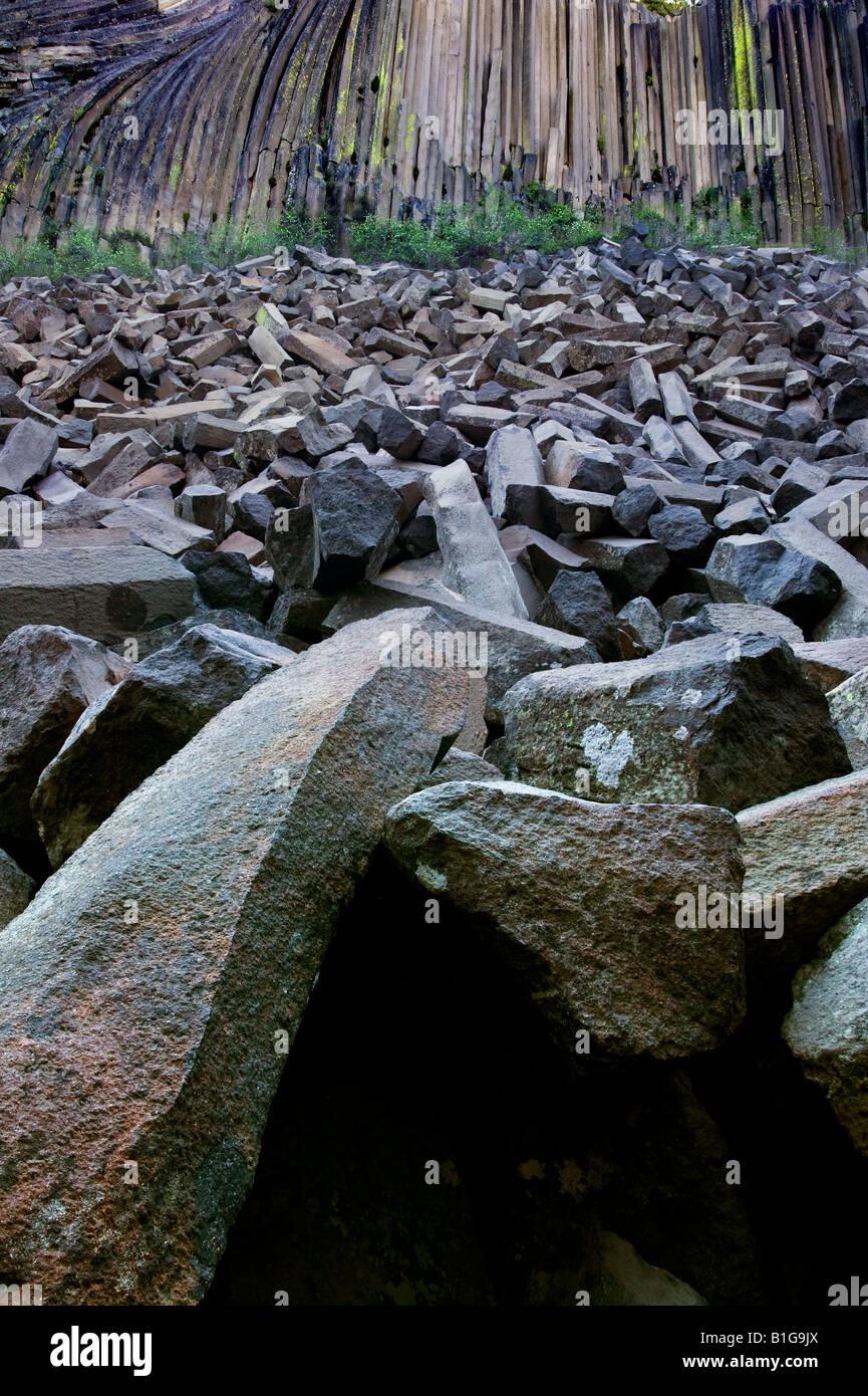 Columns of fallen rock devils postpile - Stock Image