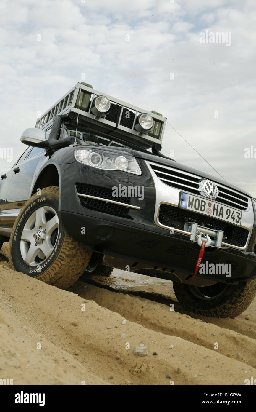 Offroad Car Adventure In Desert Volkswagen Touareg Stock Photo Alamy
