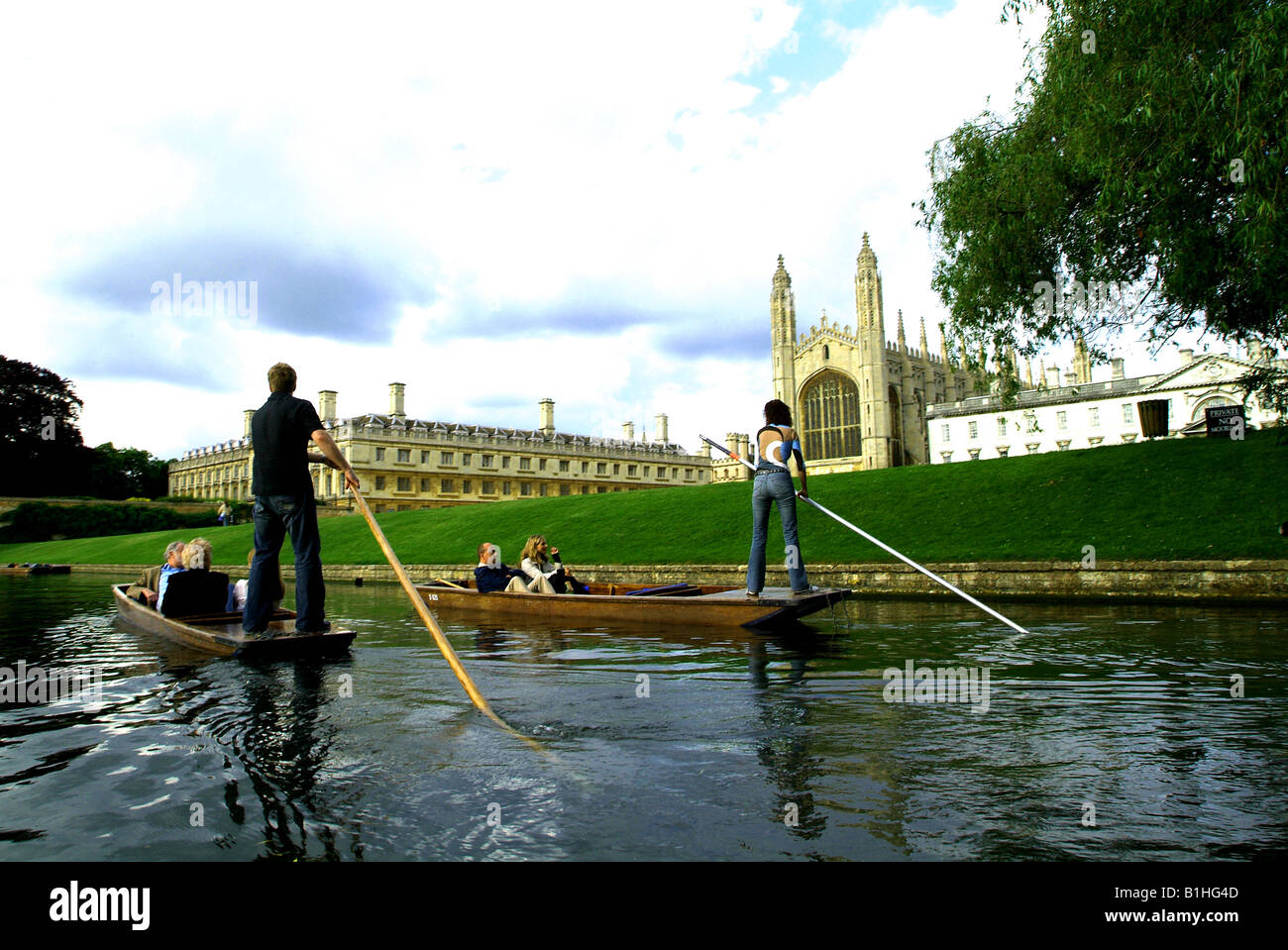 Kings College at Cambridge University with punts on the river Cam - Stock Image