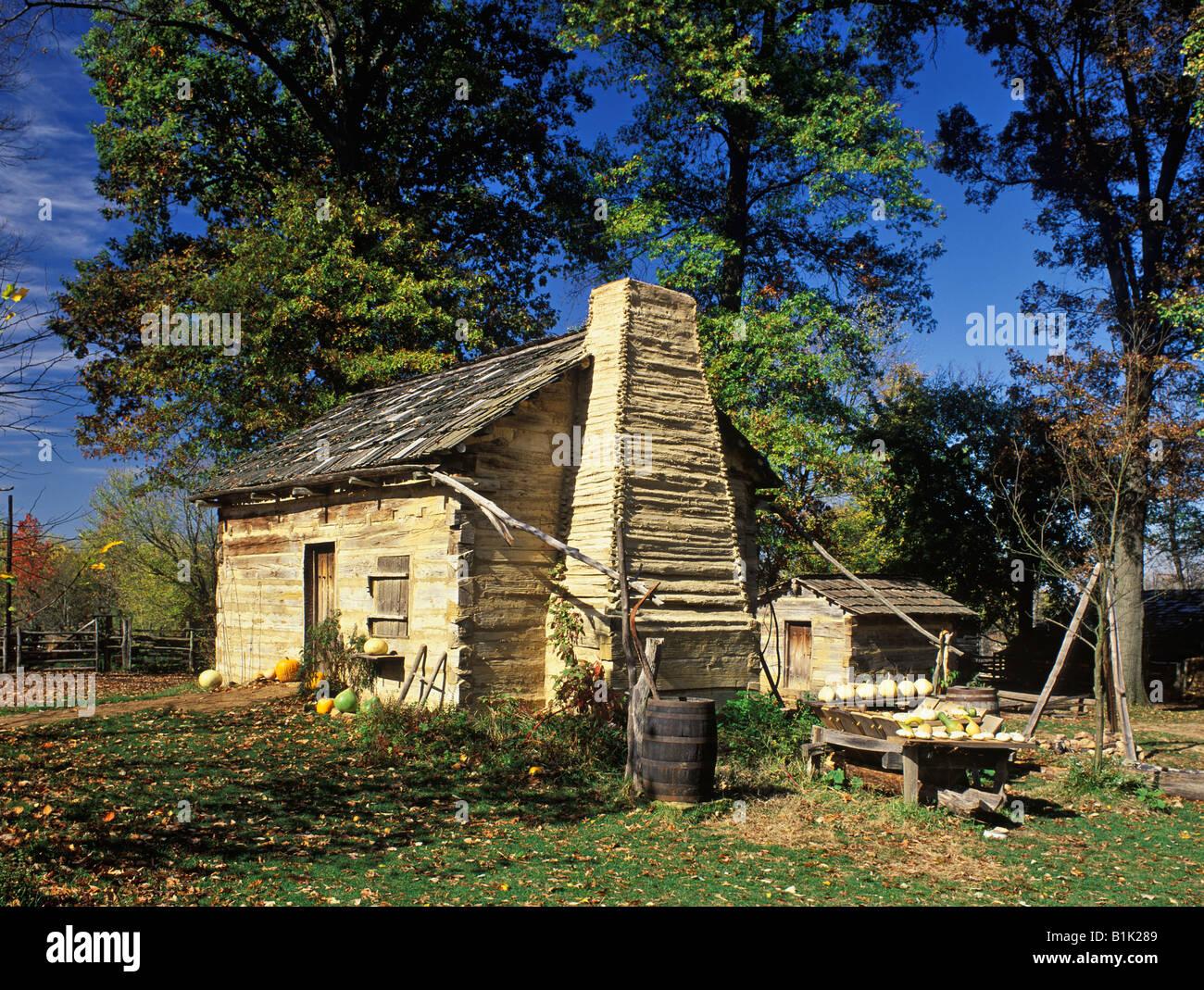 log cabin depicting abraham lincoln s boyhood home spencer county