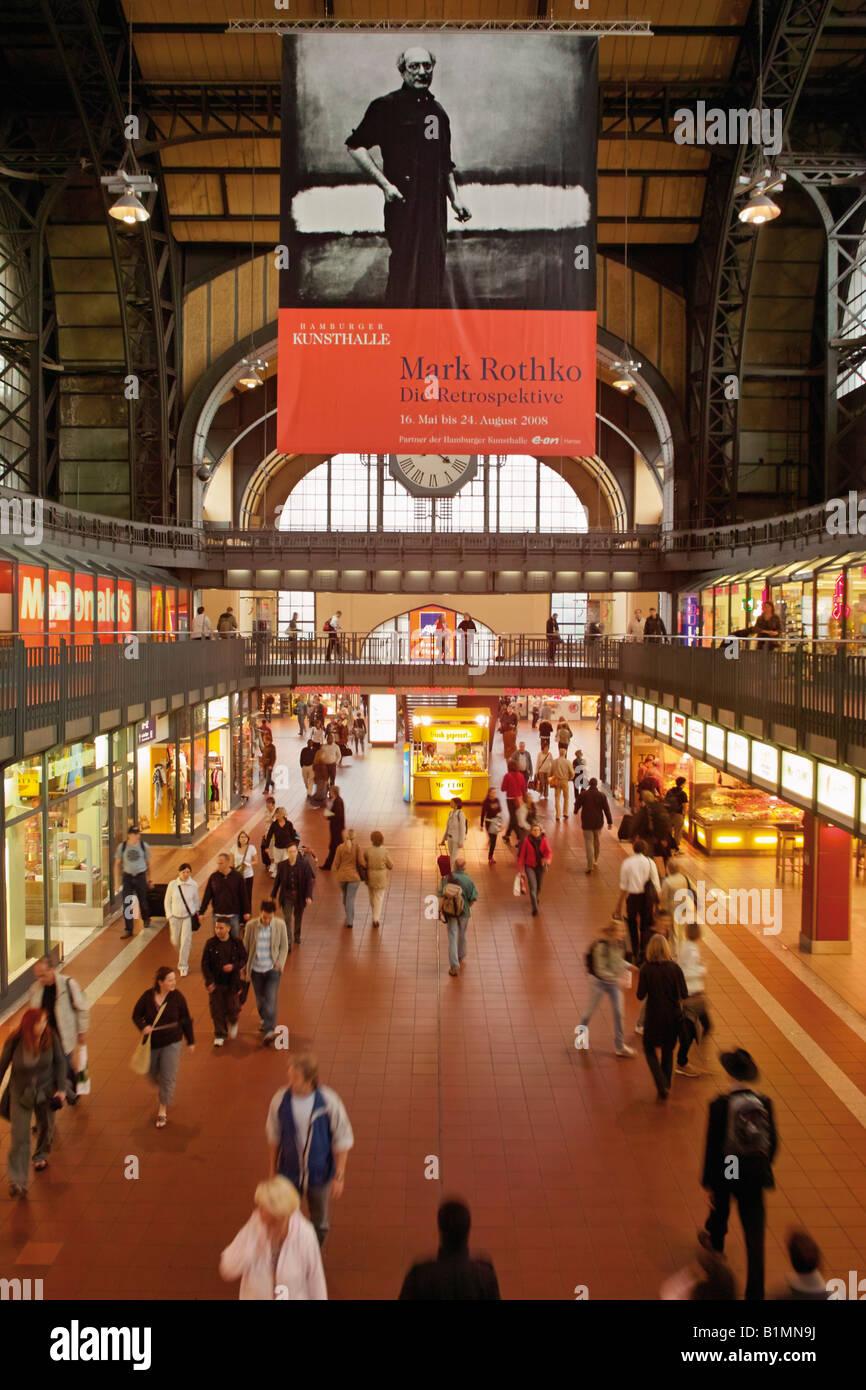 Concourse of railway main station Hamburg Germany - Stock Image