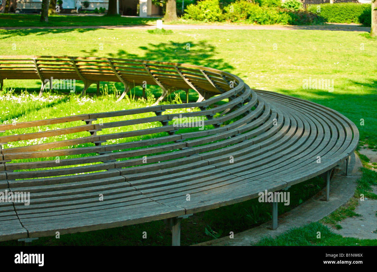 Circular park bench / art installation, Kempen, North Rhine-Westphalia, Germany - Stock Image