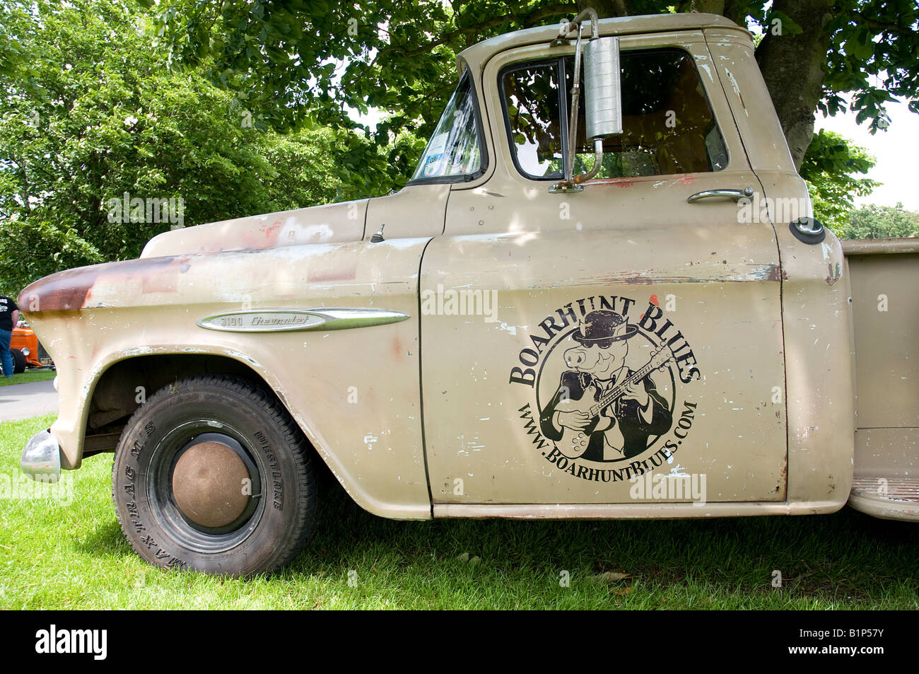 Front End Old Chevrolet Truck Stock Photos & Front End Old Chevrolet ...