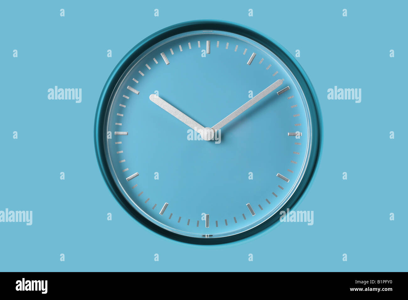 clock watch Uhr Wanduhr analog - Stock Image