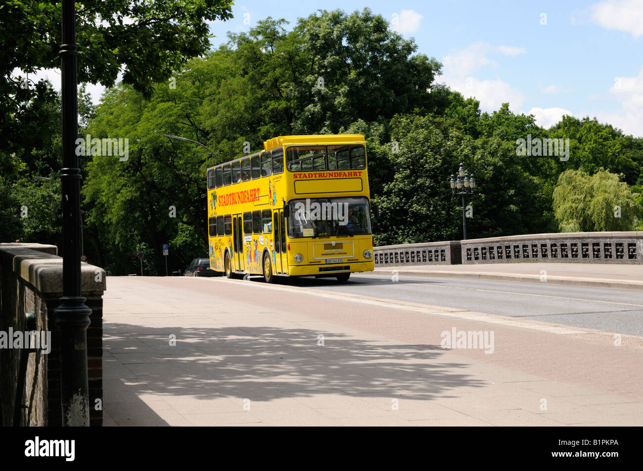 Stadtrundfahrt im Doppeldeckerbus Hamburg Deutschland City tour in a double decker bus Hamburg Germany - Stock Image