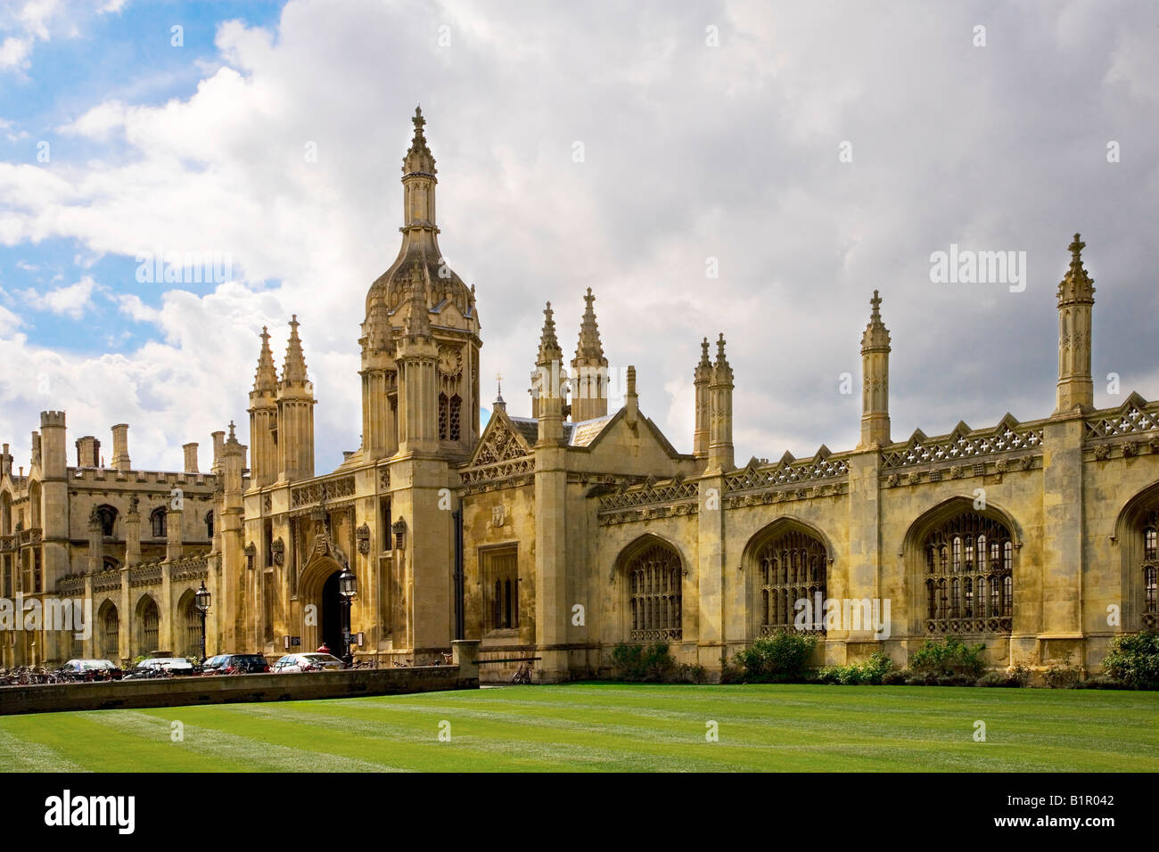 Front facade and Porter's Lodge of King's College, Cambridge University, England, UK - Stock Image