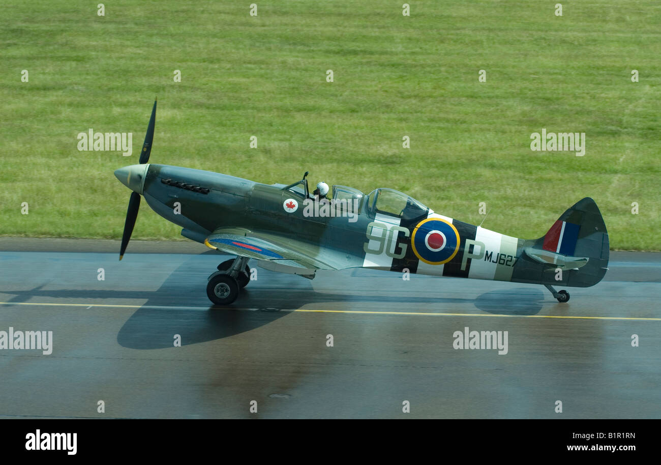 Two-seat Supermarine Spitfire taxiing - Stock Image