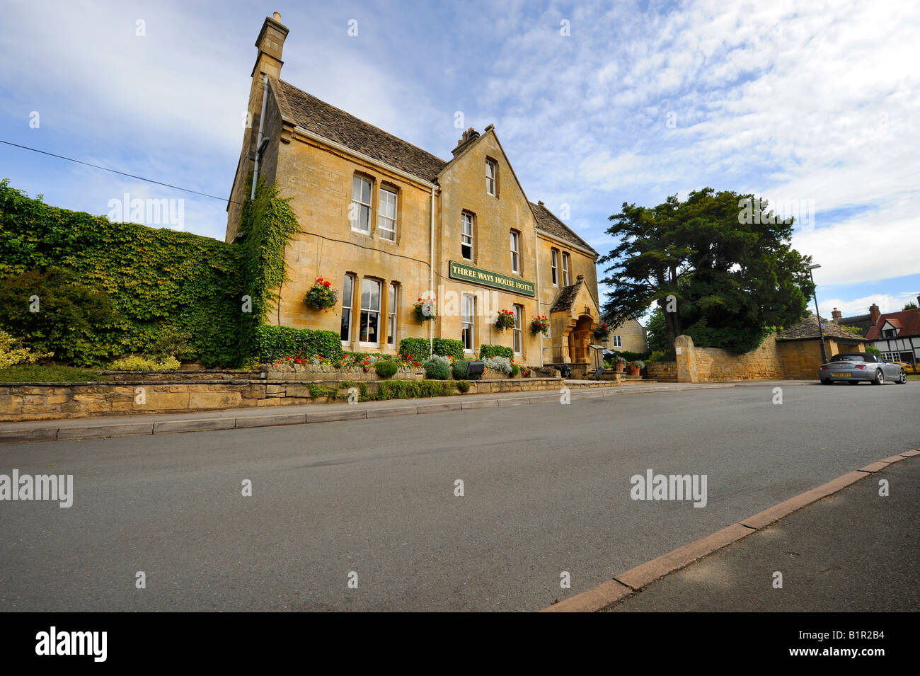 The Three Ways House Hotel in Mickleton near Chipping Campden home of the Pudding Club. Picture by Jim Holden. - Stock Image