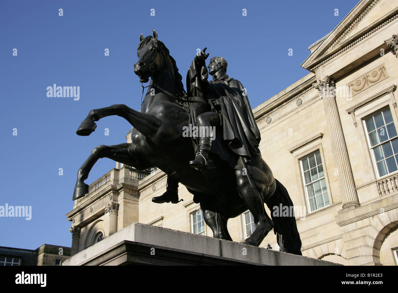 City of Edinburgh, Scotland. The Sir John Steell bronze equestrian statue of the Duke of Wellington outside Register - Stock Image