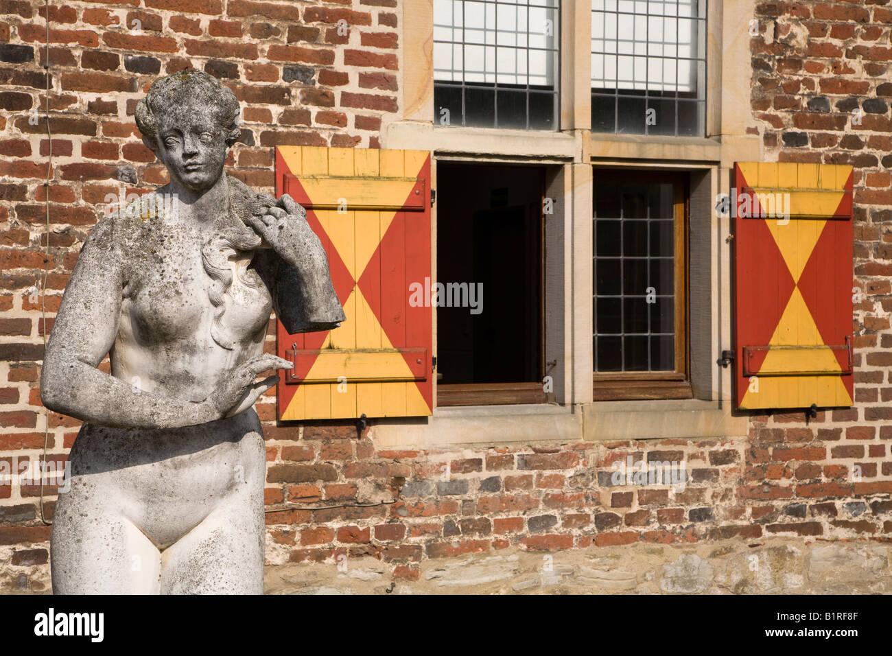 Raesfeld Moated Castle, 17th century, Raesfeld, Muensterland, North Rhine-Westphalia, Germany, Europe - Stock Image
