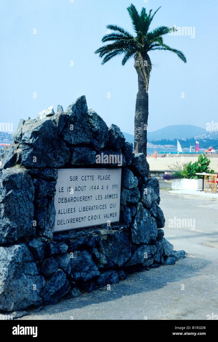 La Croix Valmer beach 2nd World War commemorative plaque France liberation 1944 by Allies allied landing place Cote - Stock Image
