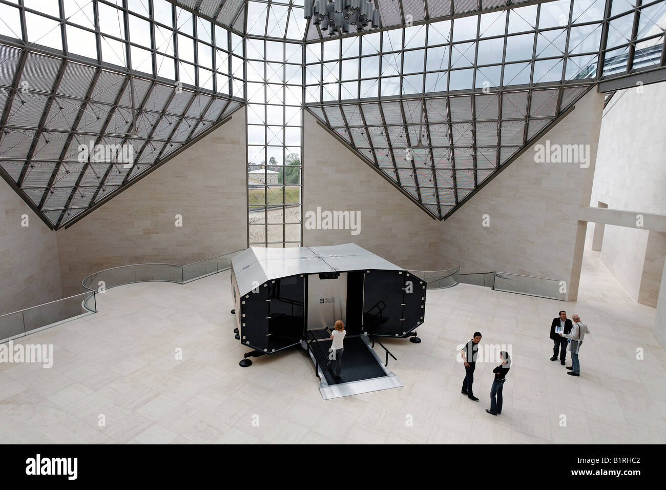 museum of modern art mus e d 39 art moderne grand duc jean mudam hall stock photo 18343586 alamy. Black Bedroom Furniture Sets. Home Design Ideas